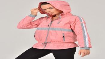 Sezonun Gözde Kadın Yağmurluk Modelleri