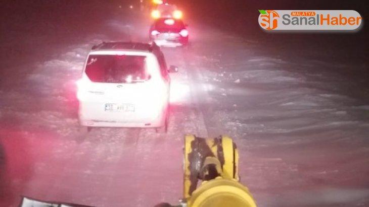 Kar sürgününe yakalanan köylüleri özel idare ekipleri kurtardı