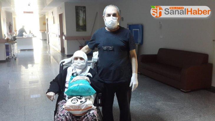 Malatya'da anne ve oğlu birlikte Korona virüsü yendi