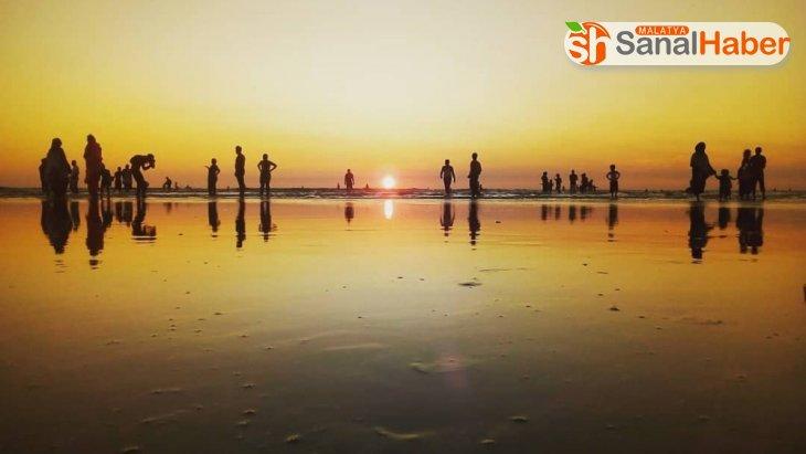 Korona virüsü dünyanın en uzun plajını kapattırdı