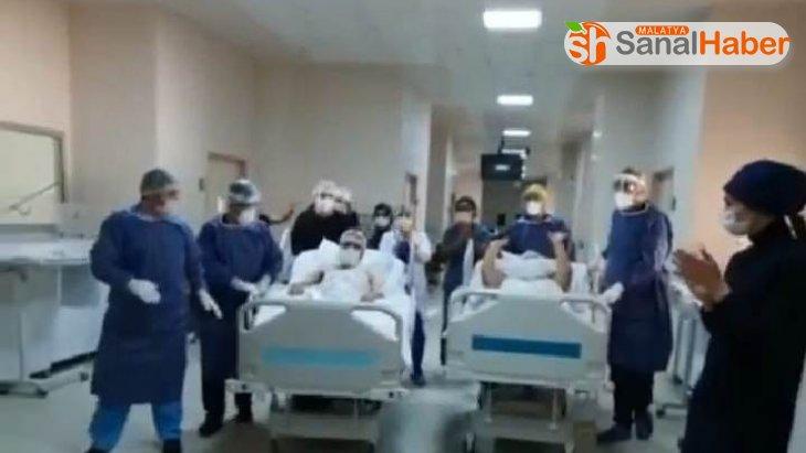 Malatya'da Koronayı yenen hastalar alkışlarla uğurlandı