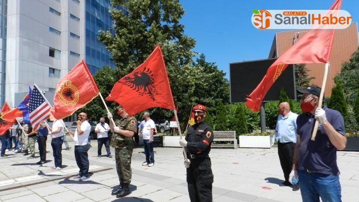 Kosova'da gazilerden Lahey'deki mahkemeye tepki: 'İddianame kabul edilemez'
