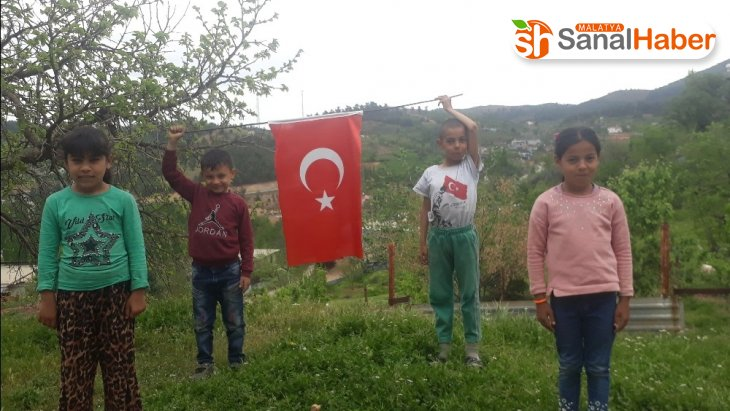 Köy çocuklarının 23 Nisan kutlaması