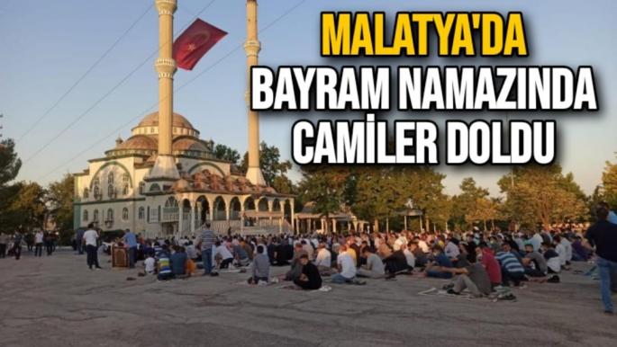 Malatya'da bayram namazında camiler doldu