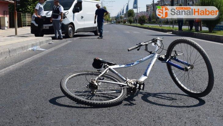 Malatya'da minibüsün çarptığı çocuk yaralandı