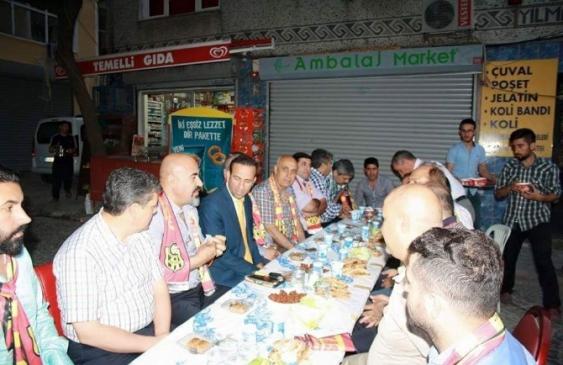 Marmara Derebeyleri'nden Sokak İftarı
