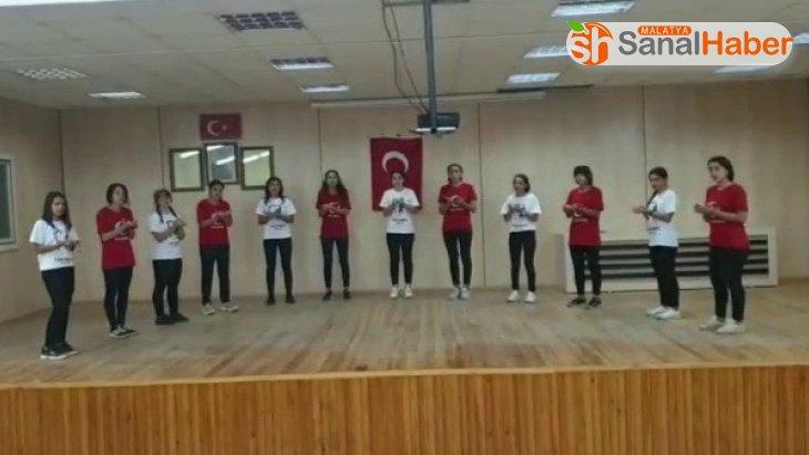 Öğrencilerden askerlere destek klipi