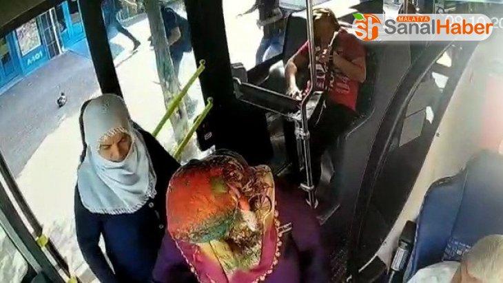 Otobüste kalp krizi geçiren yolcuyu hastaneye yetiştirdi