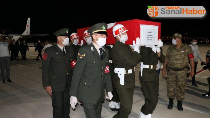 Şehit Piyade Uzman Onbaşı Ömer Kahya'nın cenazesi memleketine getirildi