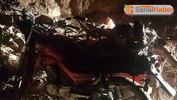 Sepetli motosiklet takla attı:  1 yaralı