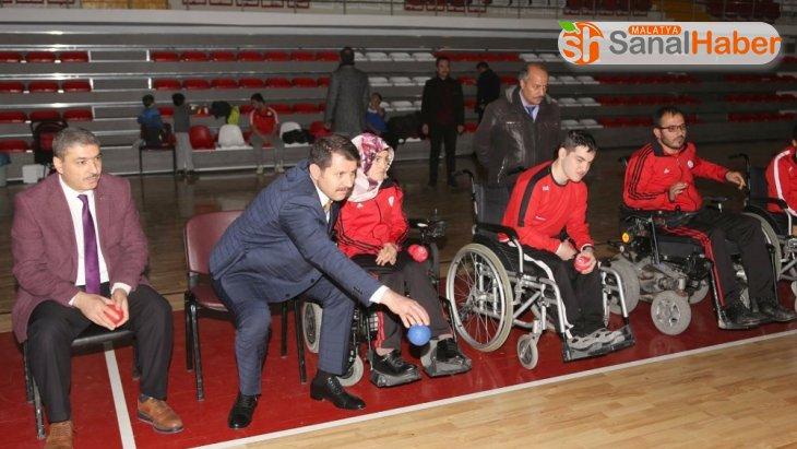 Sivas Valisi Salih Ayhan boccia oynadı