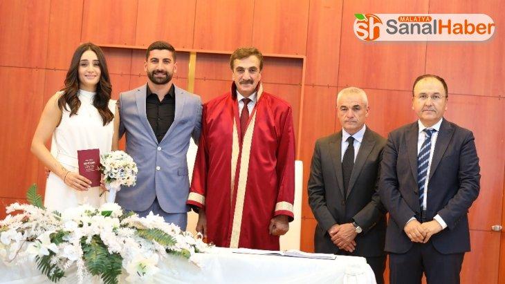 Sivassporlu Muammer Yıldırım, Dila Aşkın ile hayatını birleştirdi