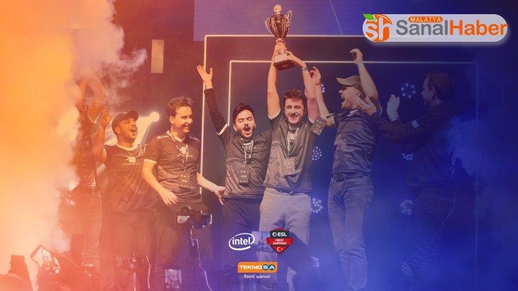Teknosa Intel® ESL Türkiye Şampiyonası'na sponsor oldu