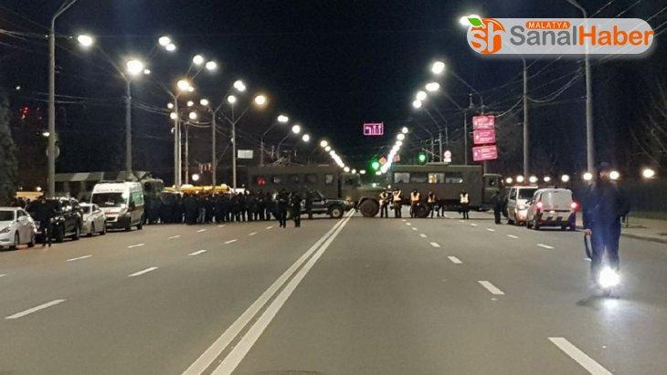 Ukraynalı aşırı sağcı grup, Rusya Büyükelçiliği'ne saldırdı