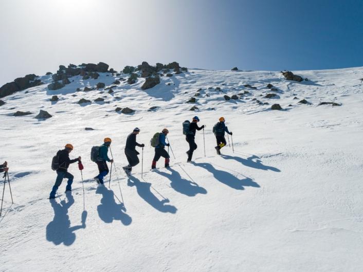 2 bin 552 rakımlı Yıldız Dağı´na tırmanan dağcılar, zirvede Türk bayrağını dalgalandırdı