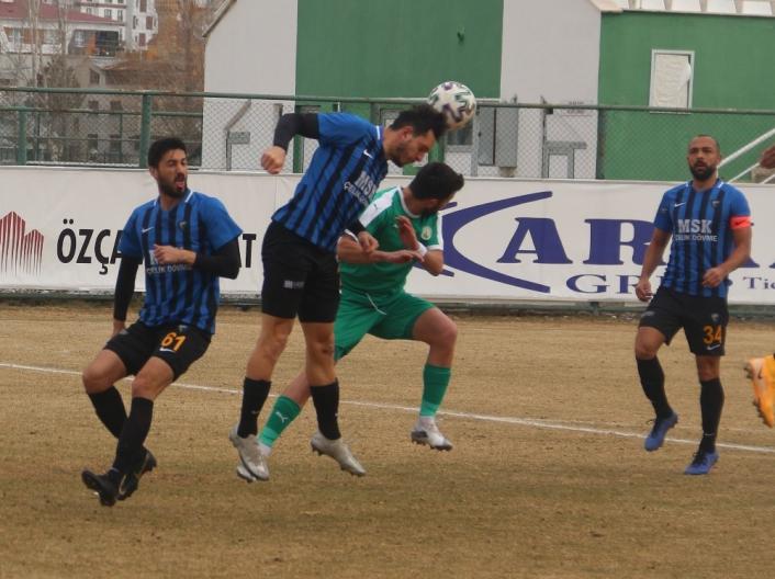 2. Lig Kırmızı Grup: Sivas Belediyespor: 1 - Karacabey Belediyespor: 1