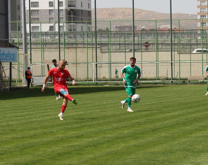 2. Lig: Sivas Belediyespor: 2 - Pendikspor: 4