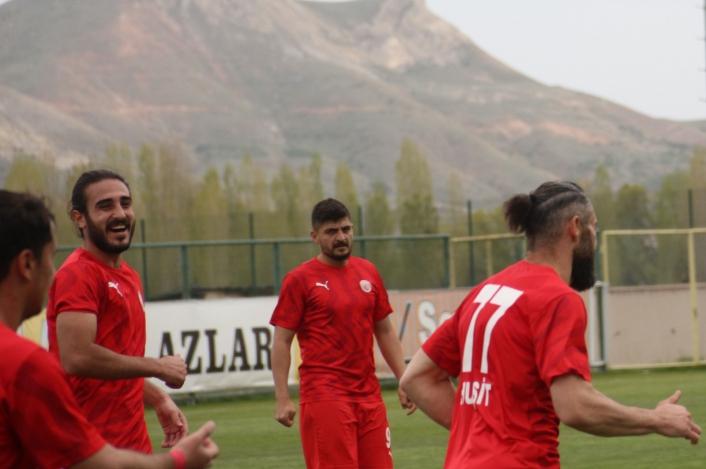2. Lig: Sivas Belediyespor: 3 - Tarsus İdman Yurdu: 2