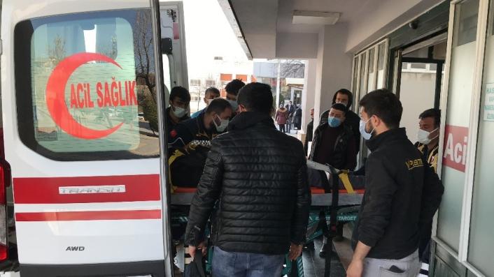 3. kattan düşen işçi ağır yaralandı