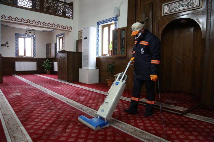 357 cami tek tek temizleniyor