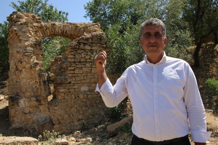 6 tescilli tarihi yapının bulunduğu köy, dünyanın dört bir yanından turist ağırlıyor