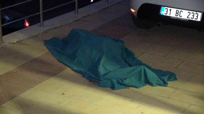 93 yaşındaki yaşlı kadın pencereden düşerek hayatını kaybetti