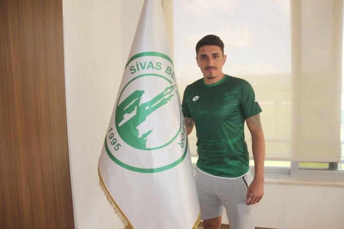 Abdullah Topkara, Sivas Belediyespor´a transfer oldu