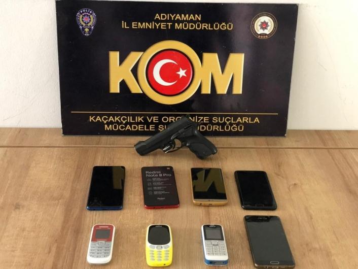 Adıyaman´da kaçak cep telefonu ele geçirildi