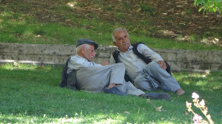 Adıyaman´da yaşlıların sokağa çıkma zamanı belirlendi