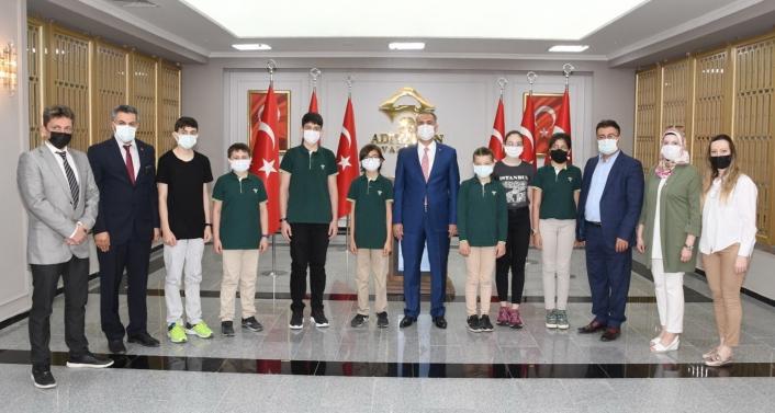 Adıyaman Doğa Koleji´nin yedi öğrencisi dünya birincisi