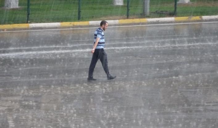 Ağustos ayında şiddetli yağmur