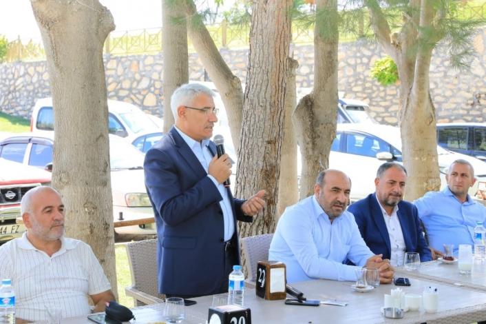 AK Parti mahalle başkanları, Battalgazi´deki yatırımları inceledi