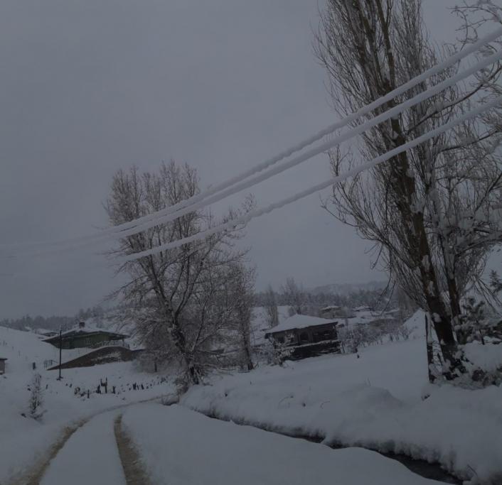 Arıza müdahale ekiplerinin zorlu kar mesaisi