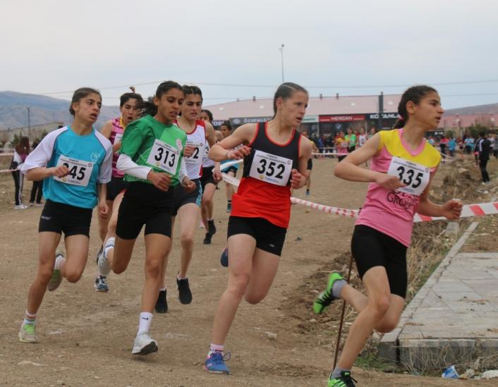 Atletizm kros ligi yarı final yarışları Sivas´ta yapıldı