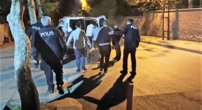 Baharatçının deposuna girmek isteyen 4 kişi tutuklandı