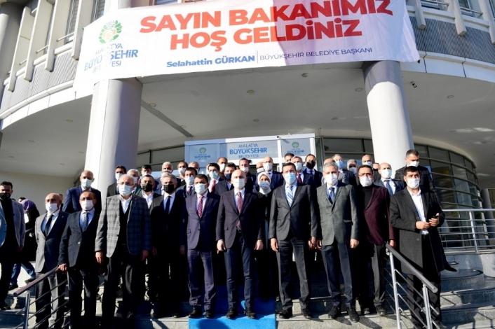 Bakan Karaismailoğlu´ndan Malatya Büyükşehir Belediyesi´ne ziyaret