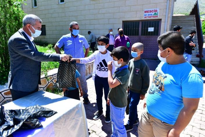 Başkan Çınar, `kadir gecesi´ programında vatandaşlarla bir araya geldi