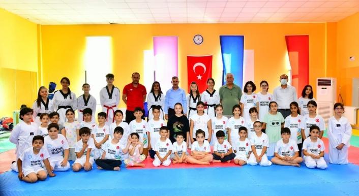 Başkan Çınar, sportif kursları ziyaret etti