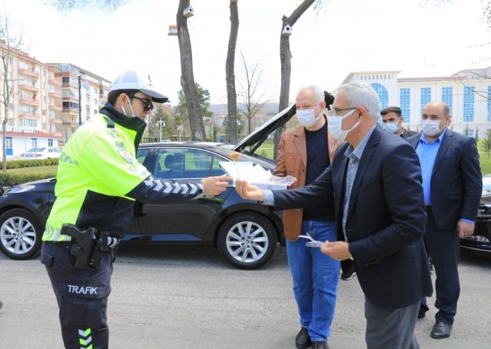 Başkan Güder´den görev başındaki polislere sürpriz ziyaret