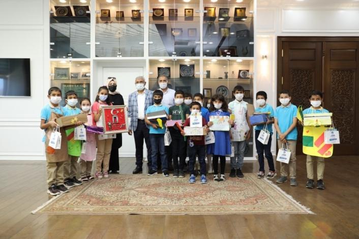 Başkan Güder, öğrencileri ağırladı