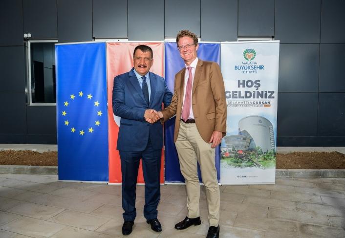 Başkan Gürkan ve Büyükelçi Landrut, lisanslı depoculukta incelemelerde bulundu