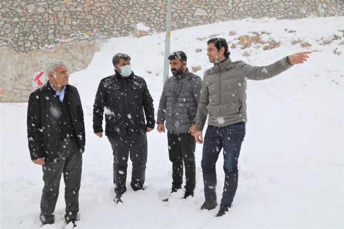 Battalgazi´de karla mücadele 500 personel ile yürütülüyor