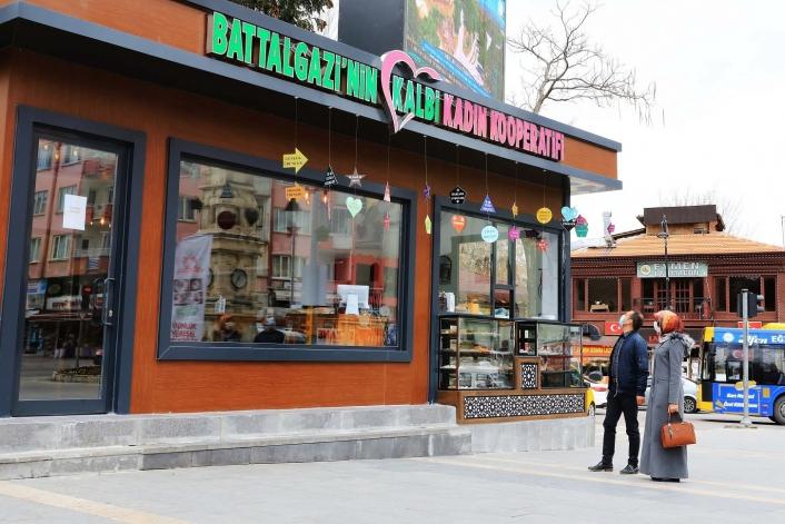 Battalgazi´nin Kalbi Kadın Kooperatifi Kafe Market büyük ilgi görüyor