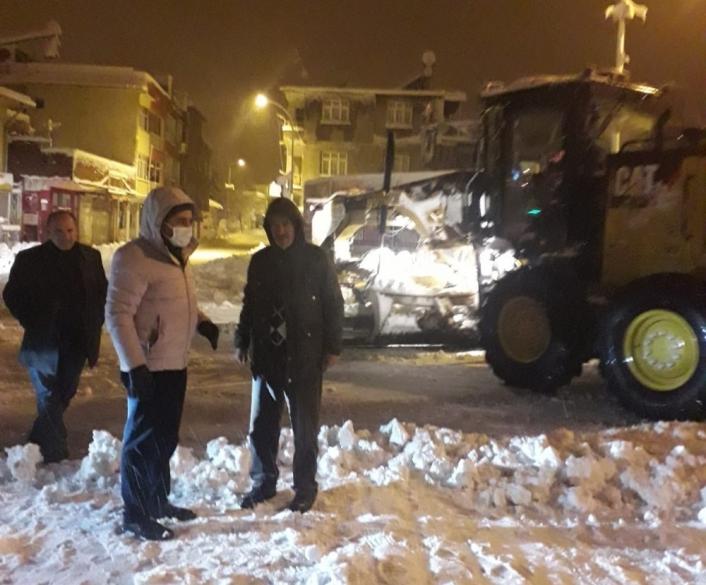 Belediye Başkanı Emre, kar çalışmalarını inceledi