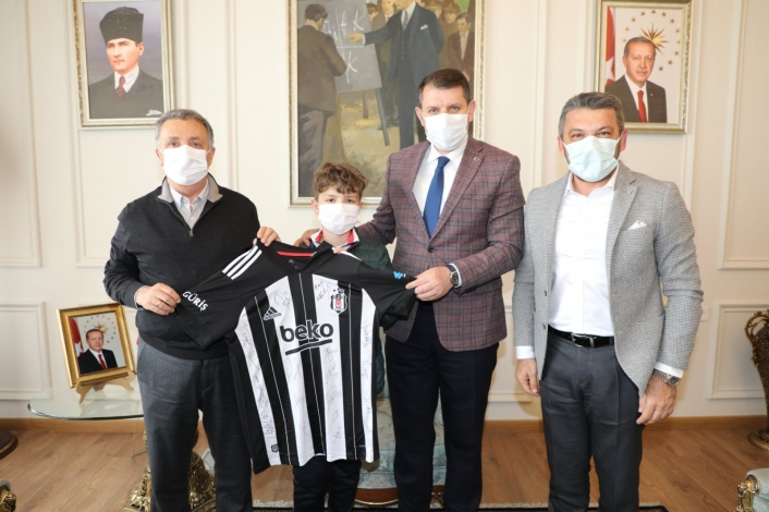Beşiktaş Başkanı Çebi´den Sivas Valisi Salih Ayhan´a ziyaret