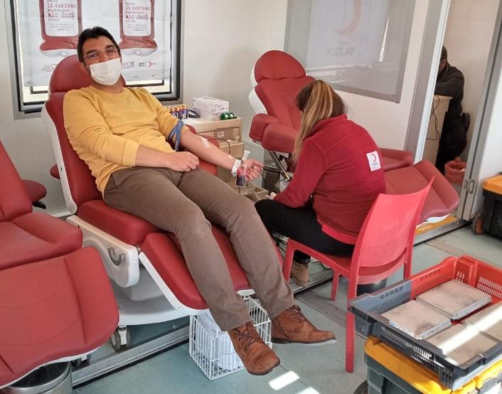 Besni Küçük Sanayi Sitesi esnafı kan bağışında bulundu
