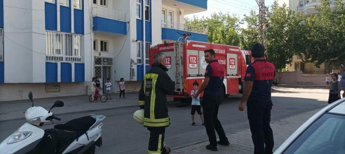 Binada çıkan yangın paniğe neden oldu