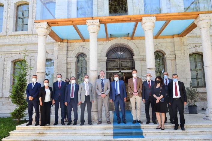 Büyükelçi Landrut kent müzesini gezdi