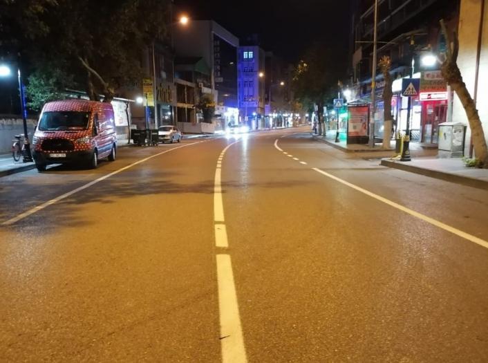 Caddelerde yol çizgi çalışması yapıldı