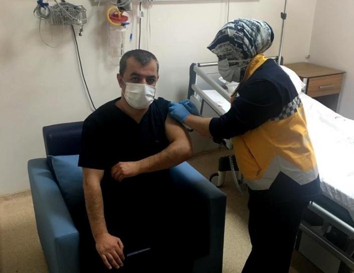 Çelikhan´da korona virüs aşısı yapılmaya başlandı